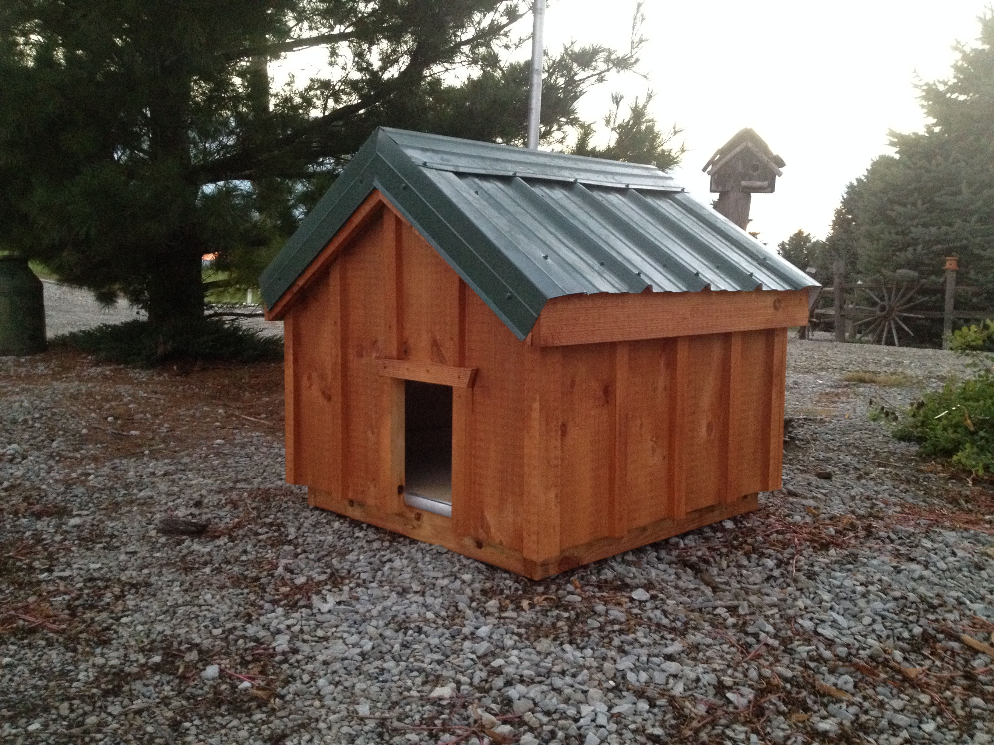 Small medium dog house amish built chicken coops for Dog houses for medium dogs